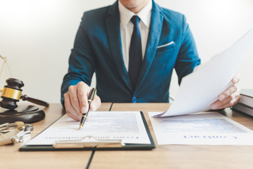 弁護士が名誉毀損の書き込みについて削除請求する方法